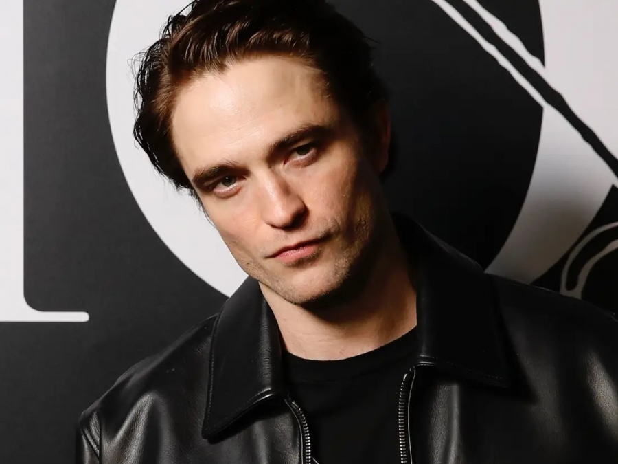 Robert Pattinson Positif Corona, Jadwal Film The Batman Diundur?