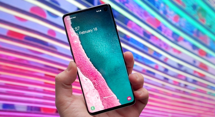Crazy about Samsung Galaxy S10